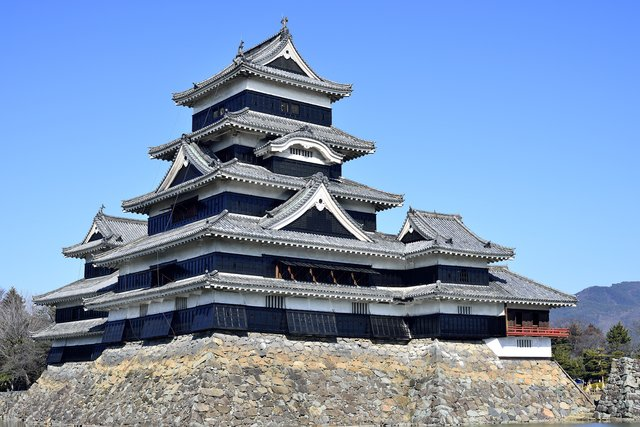 Stunning Contrast of White and Black! Be Impressed by the Charm of Matsumoto Castle